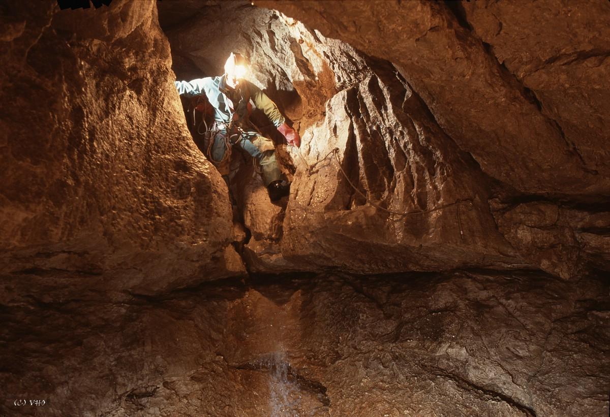Eingangsteile der Oberen Schießerbachhöhle. Foto: R. Seebacher
